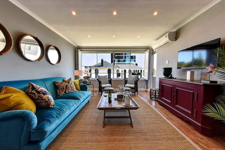 Chic & Contemporary, Green Point