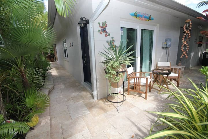 Private and Tranquil Siesta Key Villa!