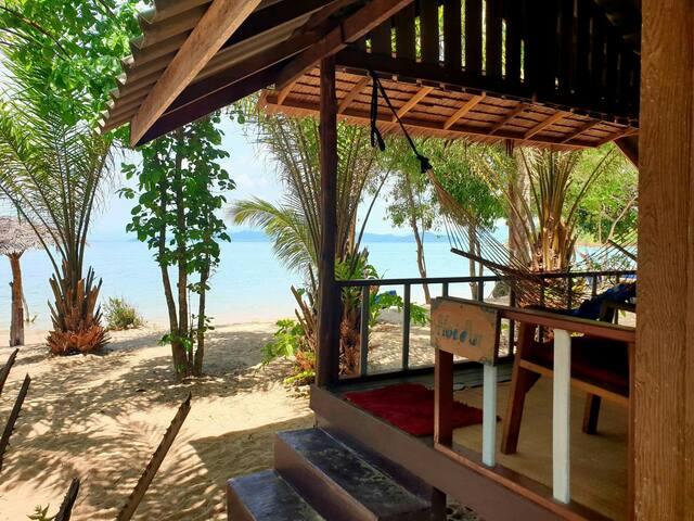 Sabai Sabai New Beachfront Bungalow 'Hoi An'