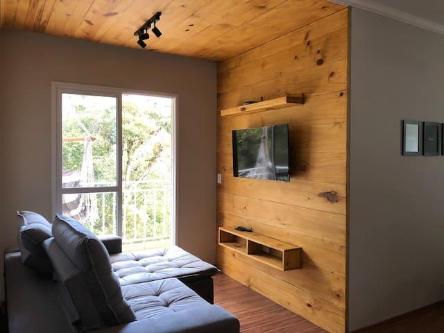 Lindo Apartamento | Rústico & Moderno com Garagem