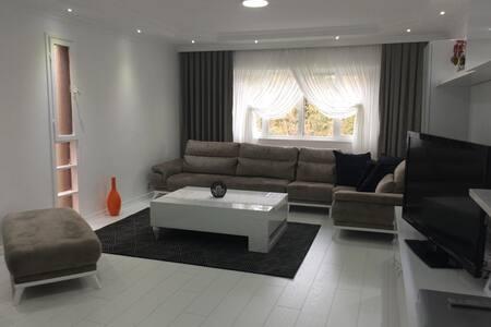 İstanbul'un merkezinde 4 kişilik lüks daire