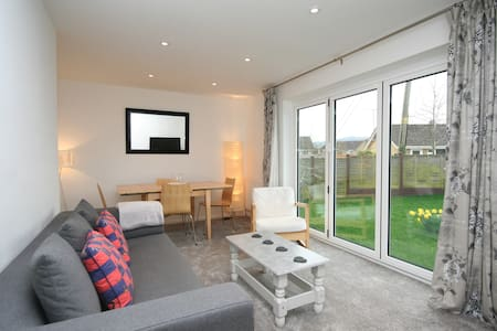 Ramblers Retreat in Winchcombe close to amenities - Winchcombe - บังกะโล