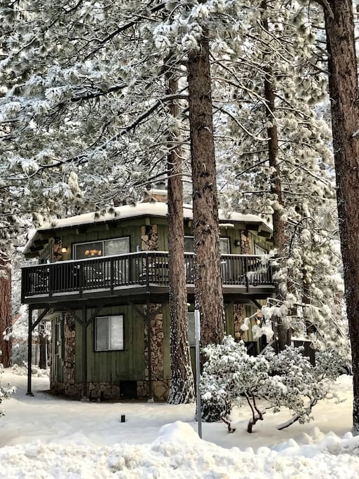 Fresh snow stunning snow summit cabin cottages for for Snow summit cabin