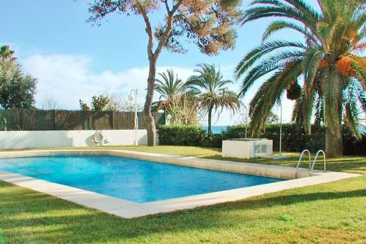 Cozy Apartment in Sant Vicenç de Montalt with Swimming Pool