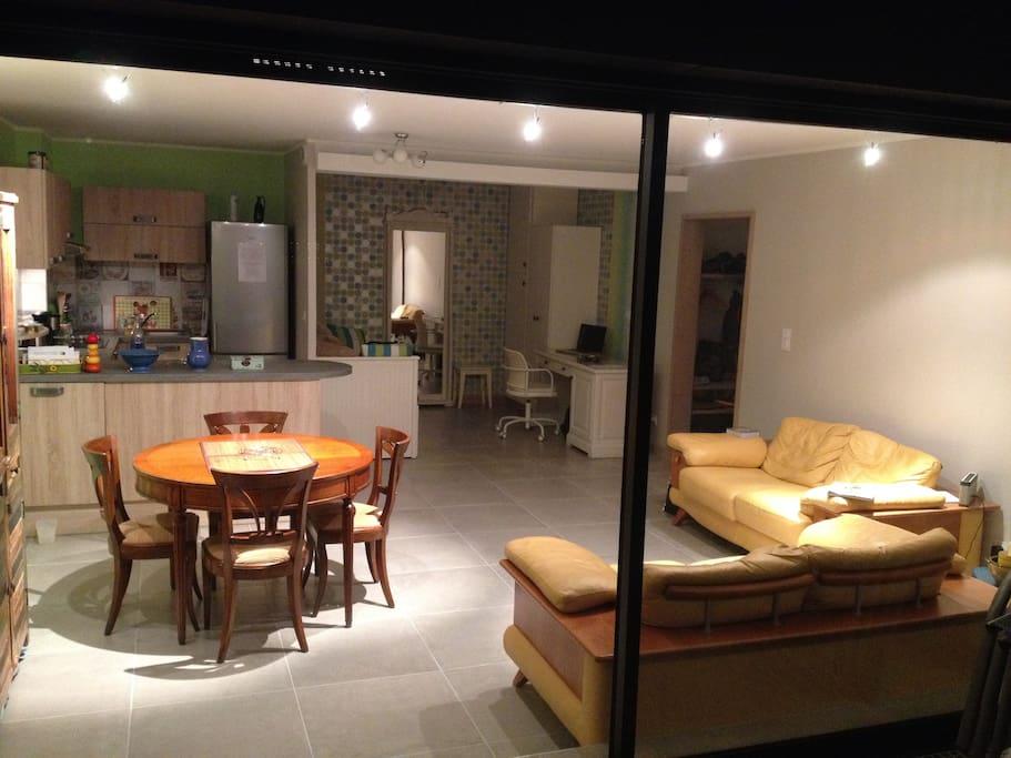 appartement 52 m2 terrasse vue lac appartements louer tresserve rh ne alpes france. Black Bedroom Furniture Sets. Home Design Ideas