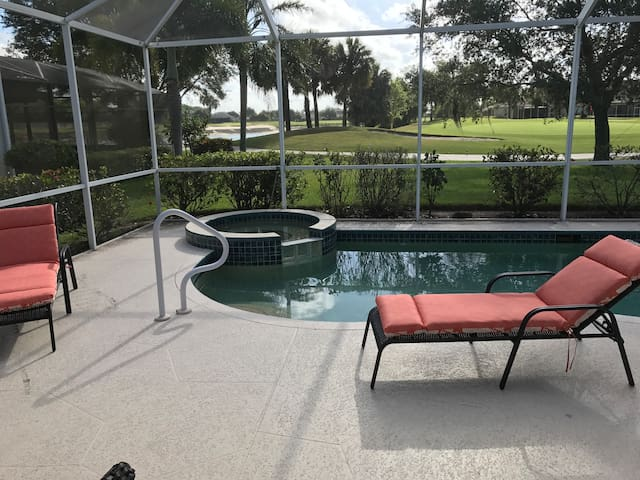 Southwest Florida Golf and Leisure Retreat