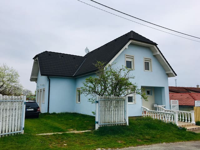 Vila Nela Podhájska