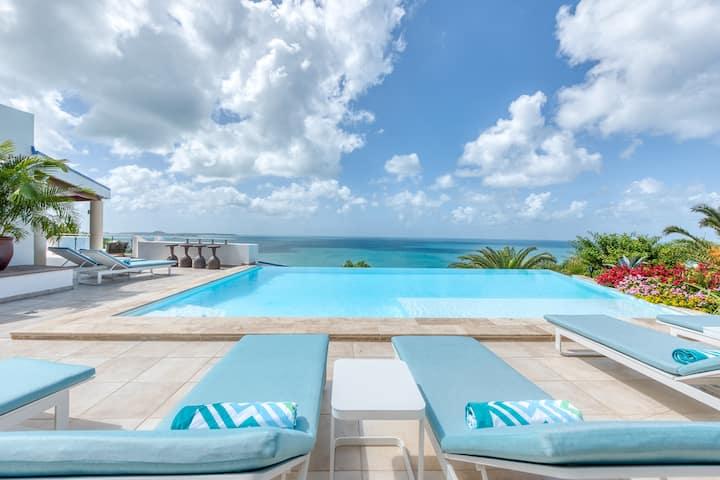 Stunning villa near Happy Bay Beach with pool