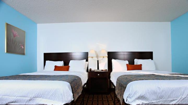 Sky Palace Inn & Suites Newton-Comfort 2 Queen Bed