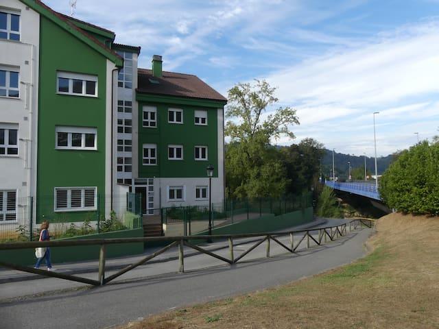 Apartamento Cangas, Golondrosu.