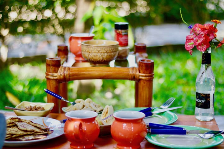 TCT Bungalow & Breakfast