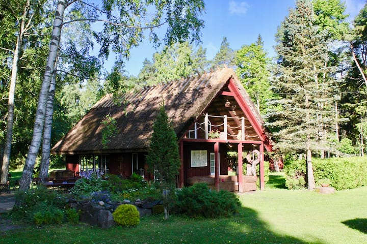 Cozy private sauna house in Muhu Music Farm