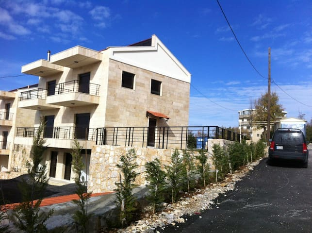 Town House in Mechmech, Jbeil - Lebanon - Jbeil - Townhouse