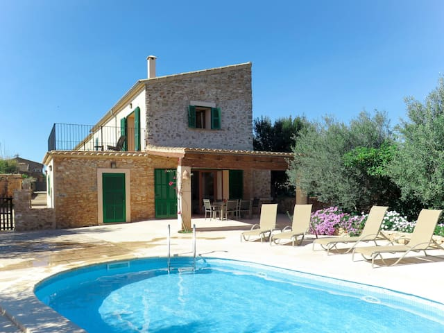 Beautiful stone house with pool in peaceful, relaxing surrounding
