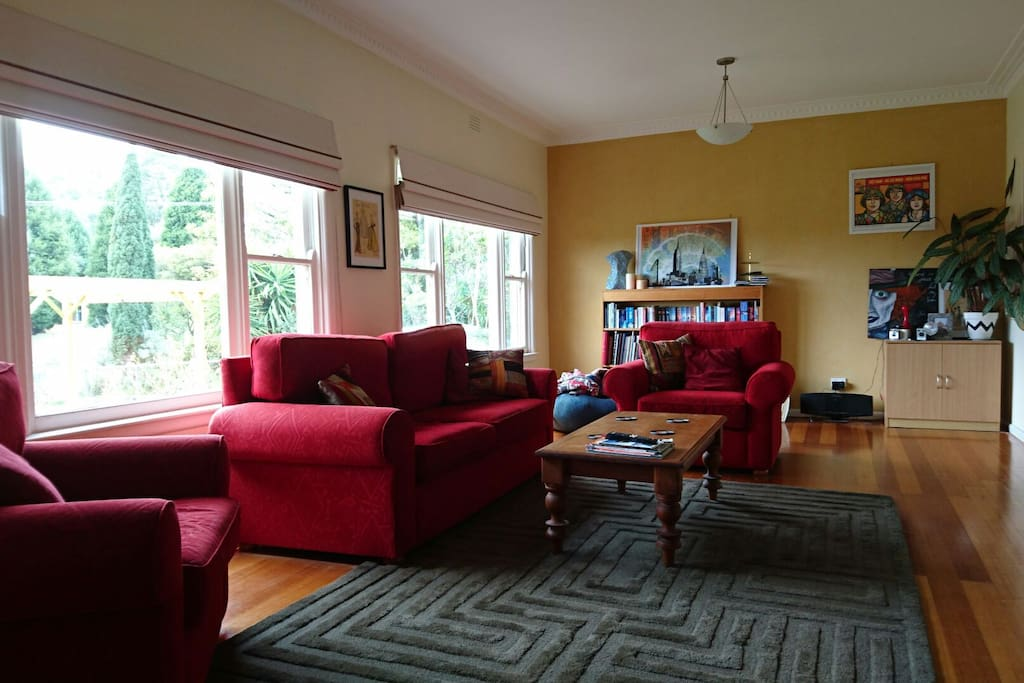 The lounge room is very comfortable, with a sound system and large flat screen TV and Netflix is available.