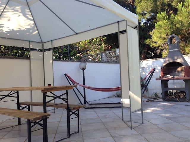 Grazioso appartamento con giardino - Torre Specchia Ruggeri - Rumah
