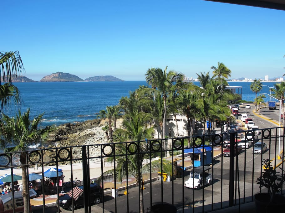 Balcony View - Vista Balcon