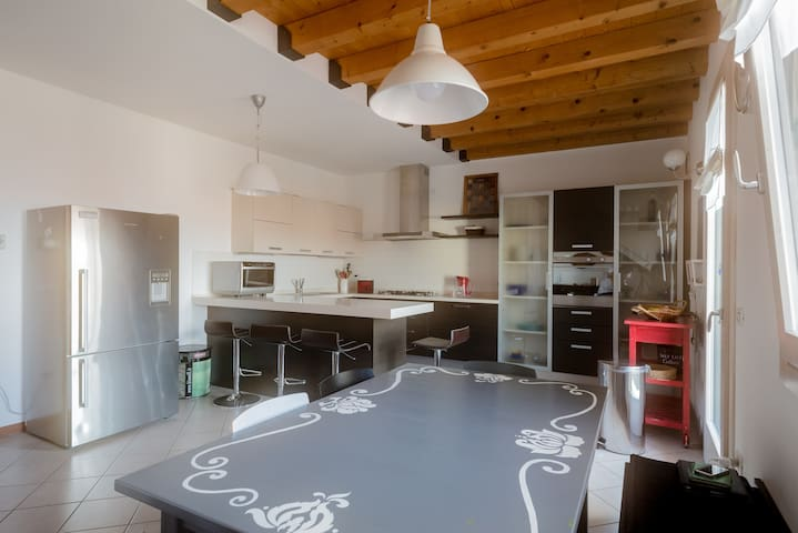 Casa Borso, 3 Bed & 3 Bath Home - Borso del Grappa - Condo