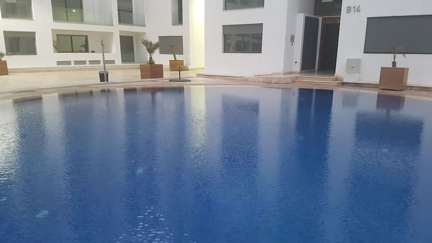 Superbe appartement luxe, avec piscine, WIFI free