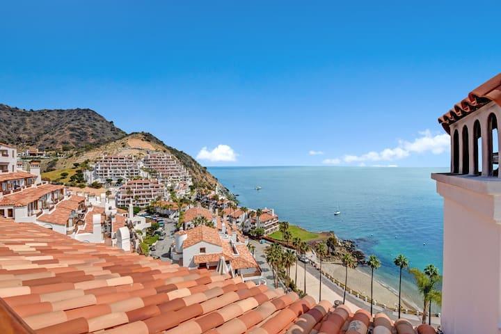 Artistic Villa, Golf Cart, WIFI, Gorgeous Panoramic Ocean Views! - Hamilton Cove Villa 1-76