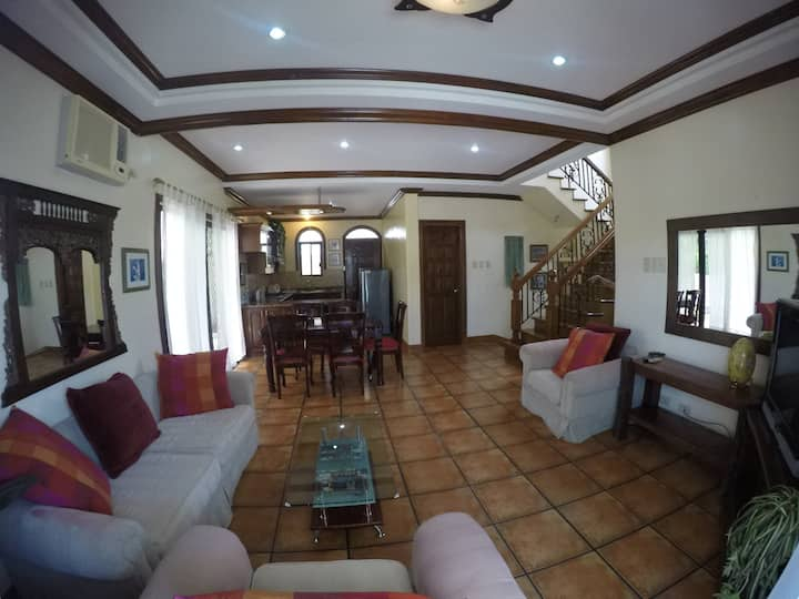 Beautiful 3 bedroom house in gated exclusive est