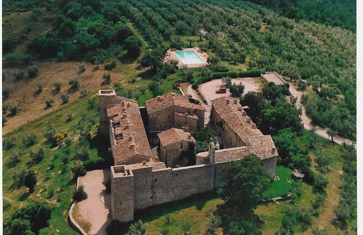 CHARME IN MEDIEVAL CASTLE & POOL! - Marsciano - Schloss