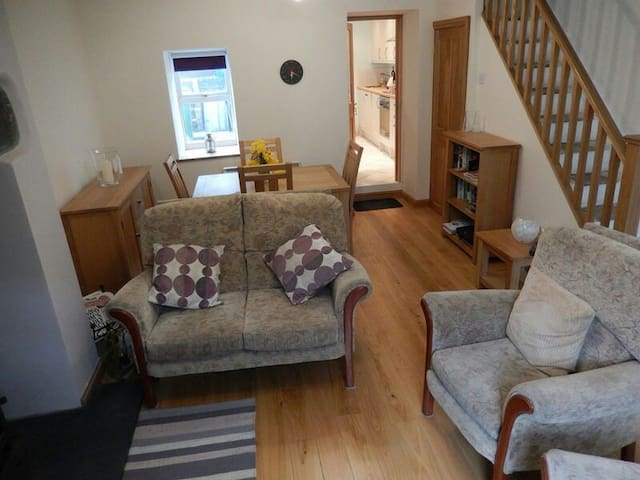 Comfortable, Well-Appointed Cottage - Blaenau Ffestiniog - House