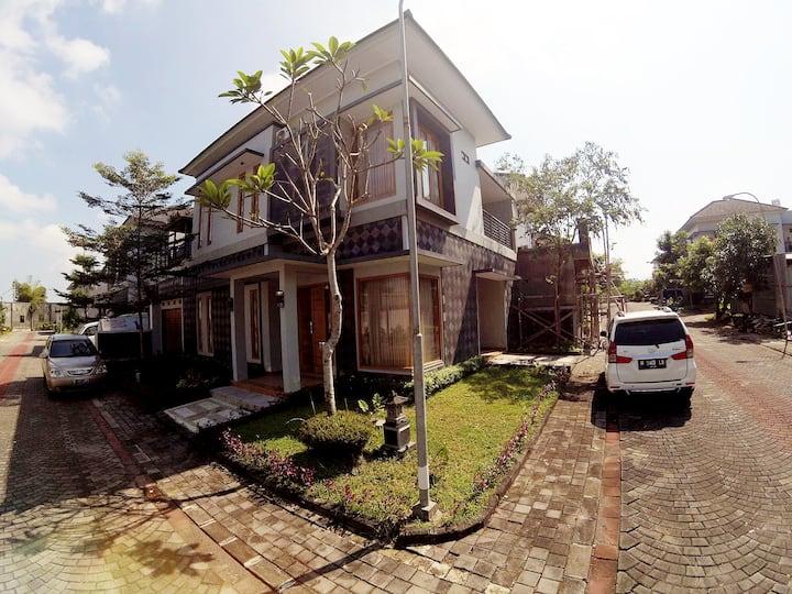 Grand Mansion Homestay Jogja