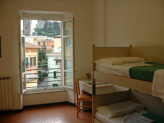 Share dorm in Levanto, Cinque Terre
