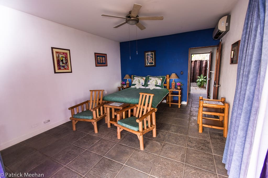 A cabina for two! All of our four cabinas have AC, Hot Water, Ceiling and Floor Fans, Screened Doors, Security Box, Beach & Pool Towels, Lantern, Tropical Outdoor Showers, Line for wet clothes. Fine linens, orthopedic mattresses and hypo-allergenic feathe
