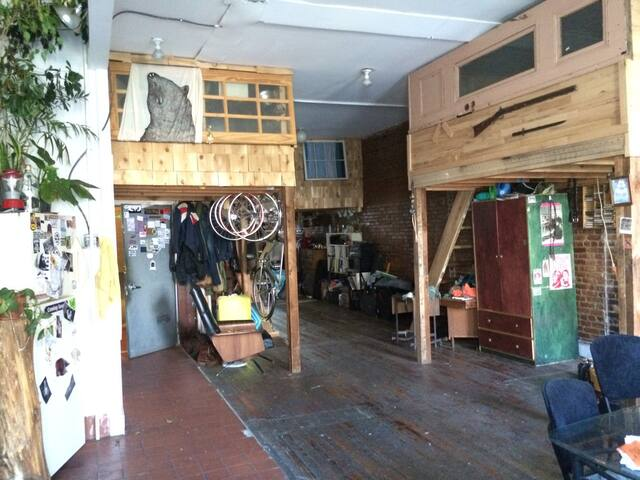 Beautiful artist loft in Brooklyn