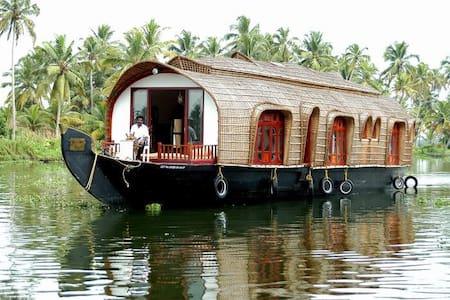 Aqua Castle Houseboat - Alappuzha