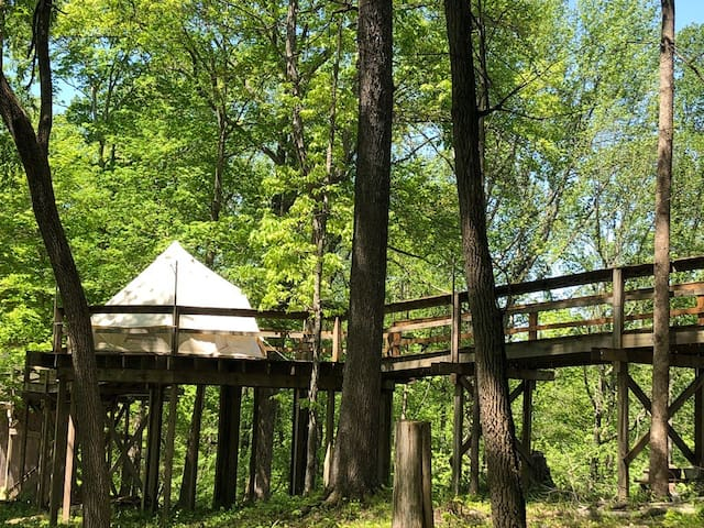 Elevated Deck Glamping Near Conley Bottom