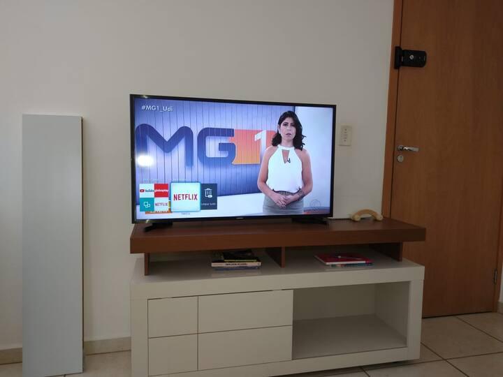 Apartamento completo e confortável (2° andar)