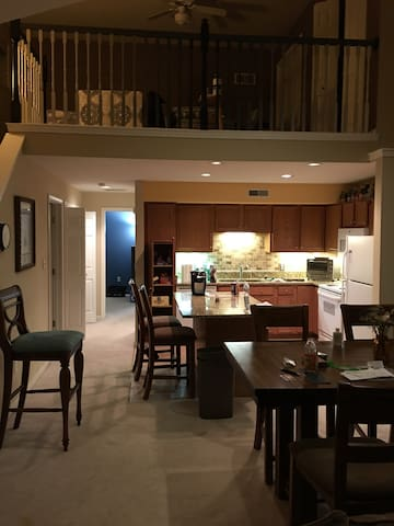 Very new condo east side Madison 2 beds 2 baths - Madison - Condominium
