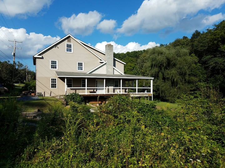 Spacious! Just Renovated! 5 min to Raystown Lake!