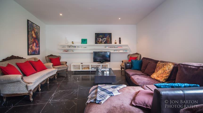 Bright and spacious modern 3 BDR home in Dublin 8. - Dublin - House