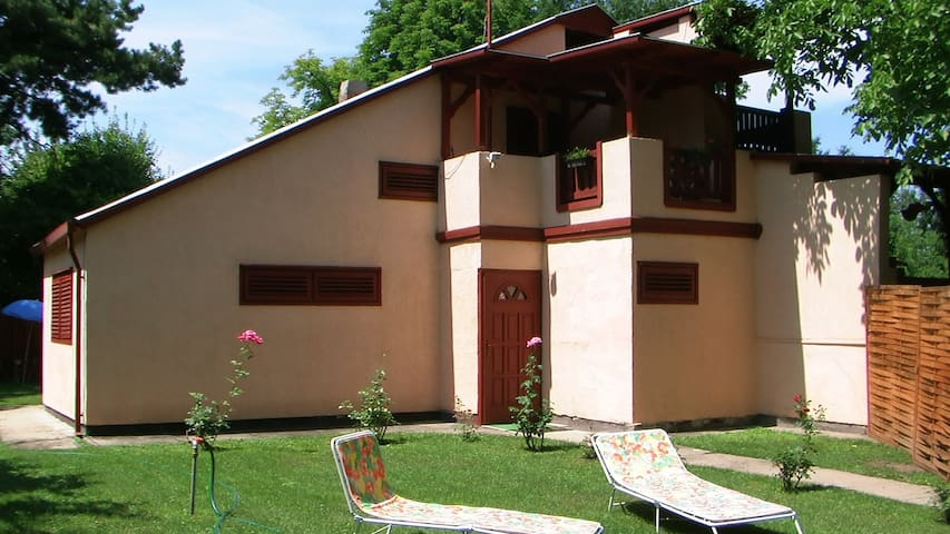 Holidayhouse -028- with garden for 4 persons