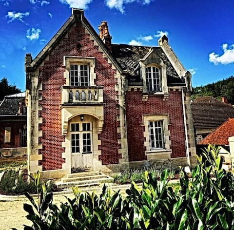 Historic Chateau Orquevaux Main Gatehouse