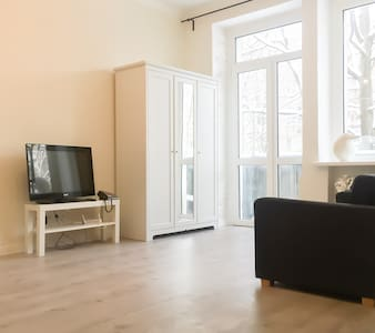 Studio apartment near railway station ,city centre - Minsk - Apartment