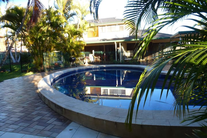 Manly Garden Home at Moreton Bay - Manly West - Rumah