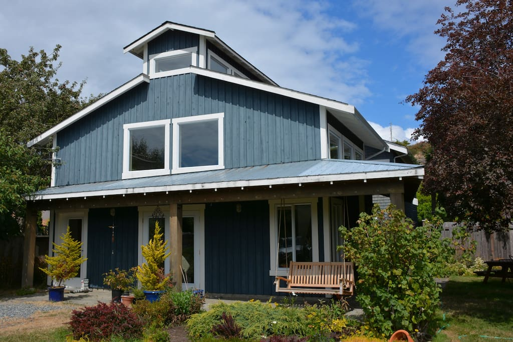 Stunning 3bd vacation retreat houses for rent in victoria british columbia canada - Large summer houses energizing retreat ...