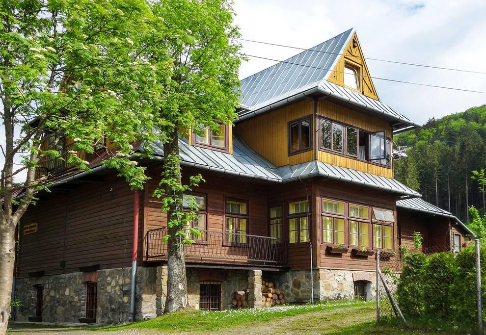 St. Stanislaw House, view from Jaszczurówka street