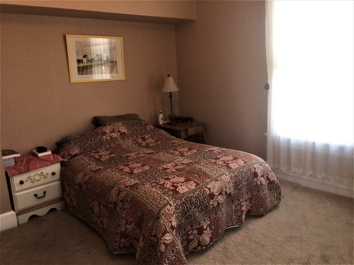 Comfortable and cozy South Park private bedroom