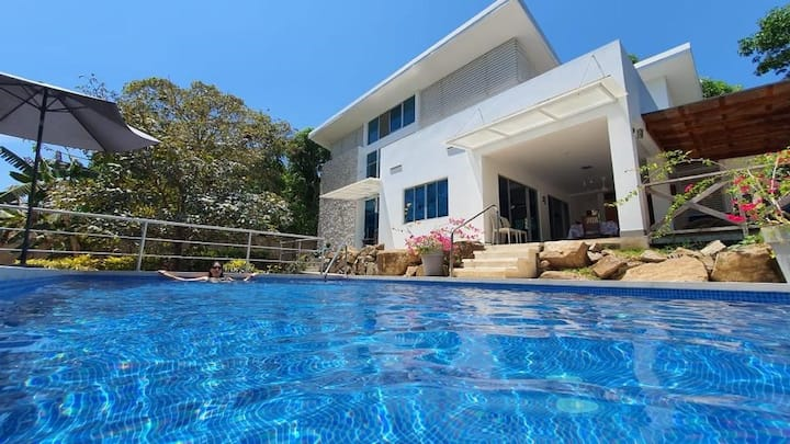 2 Bedrooms beach house in the Nicoya Gulf.