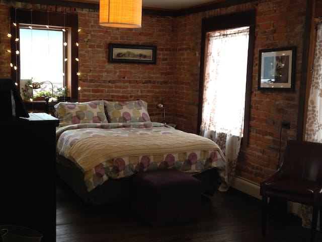 private room with full bathroom, - Steamboat Springs - House