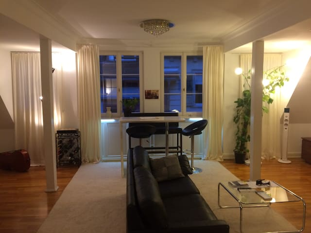 100sqm - Spacious Old-town-Maisonette