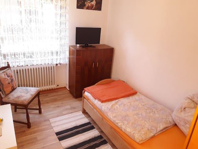 Ländlich gelegenes Einzelzimmer in Gästewohnung