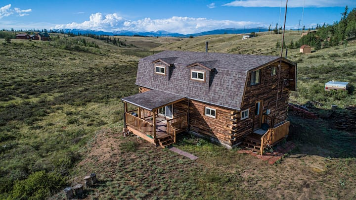 Beautiful Log Cabin High In Colorado Mountains