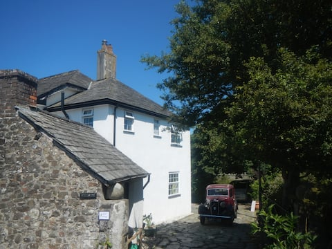 Boots Cottage - for a warm canalside welcome!